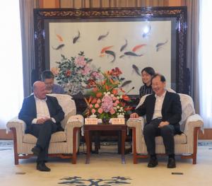 Empfang der Bürgermeisterdelegation durch Xuefeng Ren, Vize-Parteisekretär der Stadt Chongqing